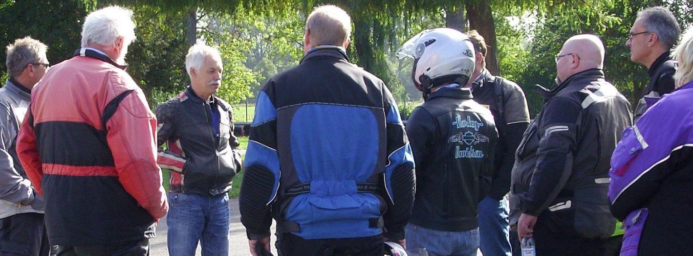 BVHK-Einsteigerlehrgang. Vor dem Gespannfahren gibt es erste Instruktionen.